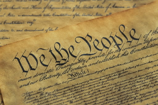federalist papers favors the constitution of the united states The anti-federalist papers are a collection of articles, written in opposition to the ratification of the 1787 united states constitutionone of the major points lack of a bill of rights without a doubt, yates, and the other authors of the anti- federalist papers, were in favor of an individual's right to bear arms.