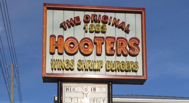 Hooters Restaurnt