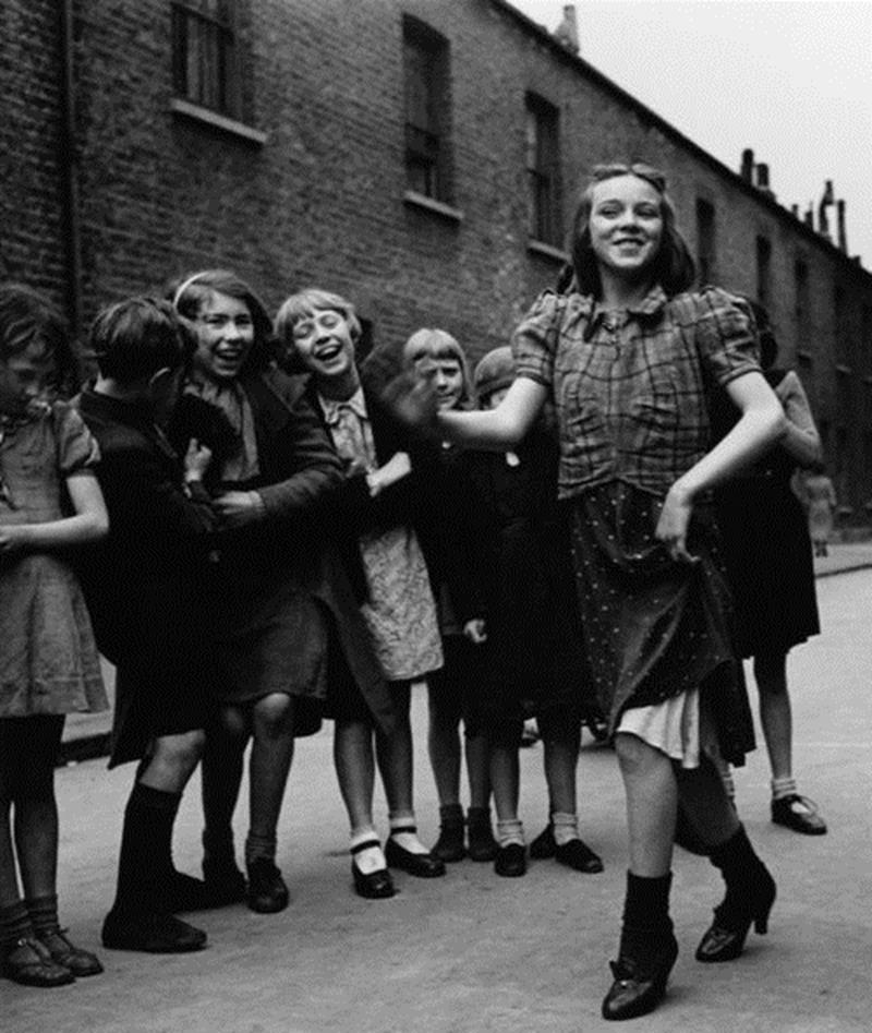 15 Photos Of People Having Fun During The Great Depression
