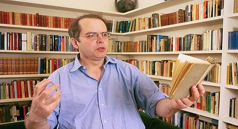dtfe/dtjsg.PICTURE SHOWS HUGH LAWSON-TANCRED , AT HOME READING POETRY.