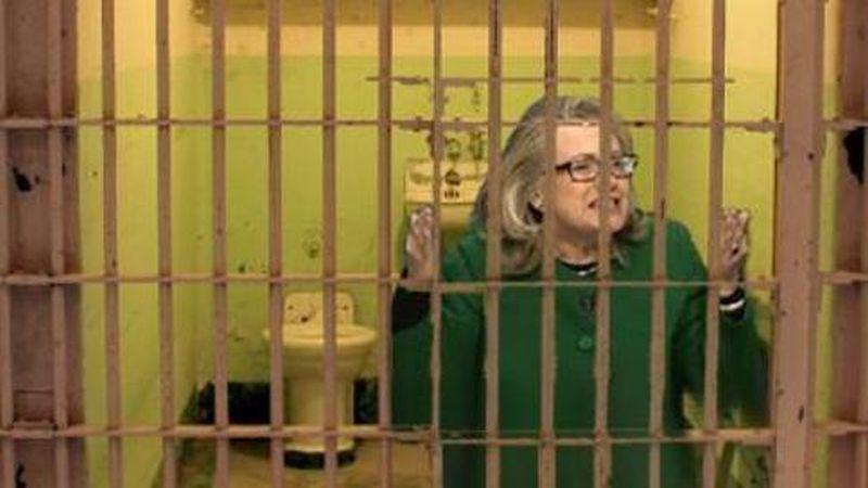 Hillary-Clinton-in-jail