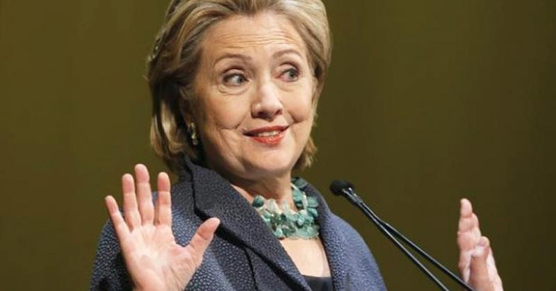 busted hillary clinton caught violating debate rules