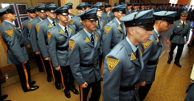 new jersey state police term papers Can a police officer break into the house to serve a warrant if the warrant is for a minor child so long as they give proper time for the door to be answered (depends on the state), then yes.