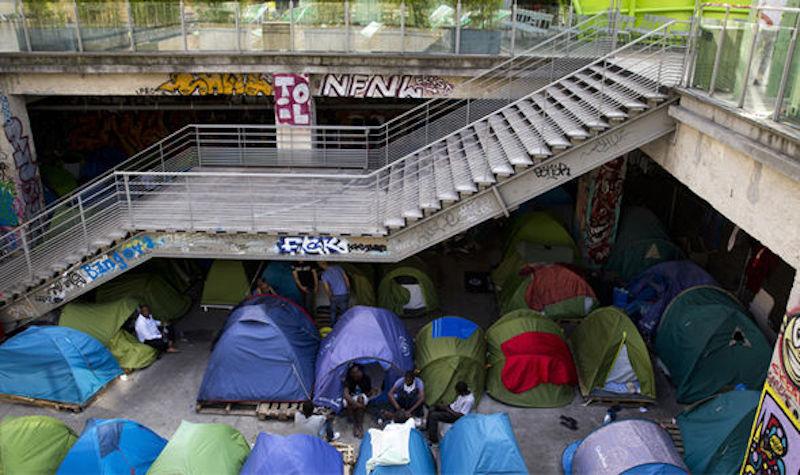 migrant-camp-paris