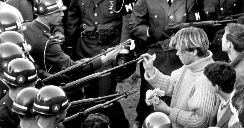 hippies-guns