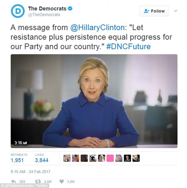 HillaryTweet